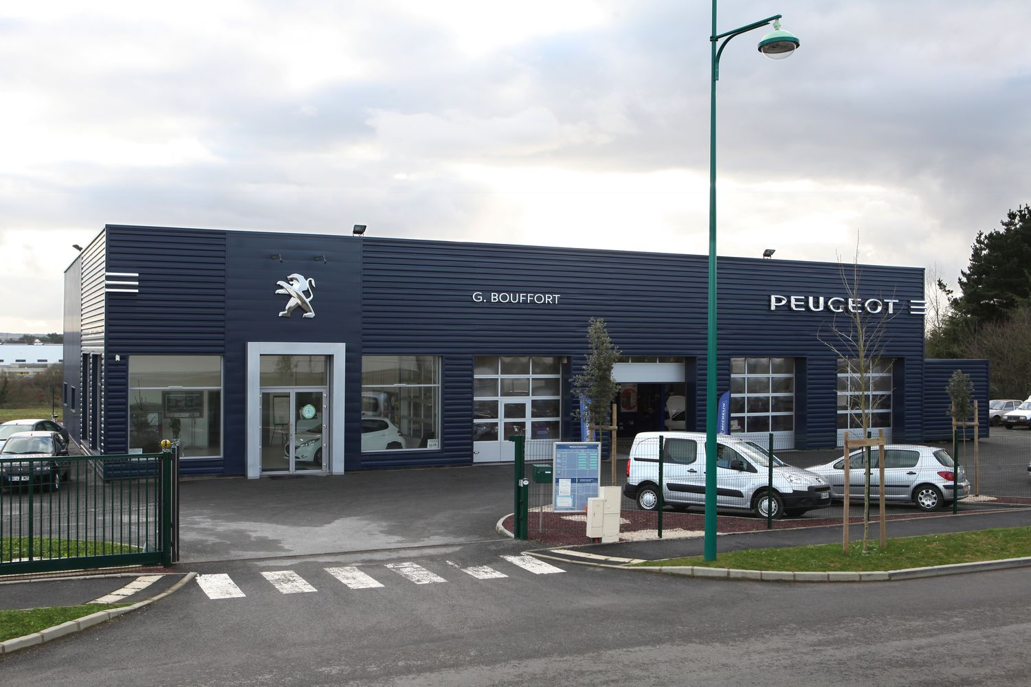 Ace ing nierie abc contractant r alisations peugeot for Garage peugeot paris 17